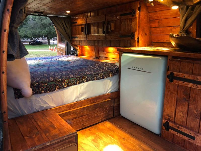 Picture 6/14 of a 2003 Ford E-350 Camper van excellent condition  for sale in San Marcos, California
