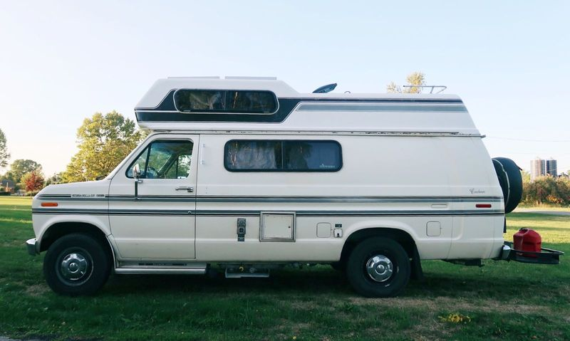 Picture 5/41 of a 1987 Ford E250 Econoline Camper Van for sale in Niagara Falls, New York
